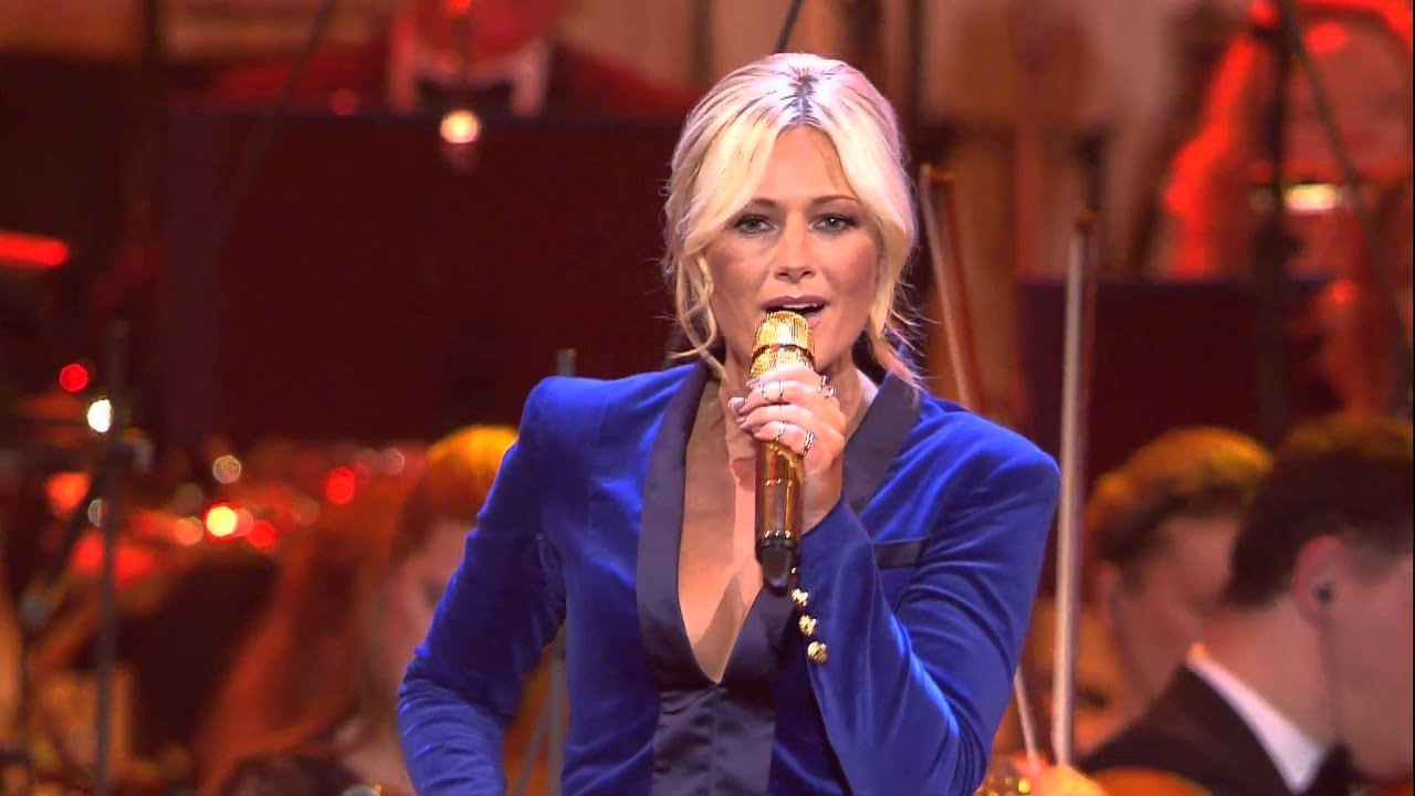 helene fischer feliz navidad live aus der hofburg wien. Black Bedroom Furniture Sets. Home Design Ideas
