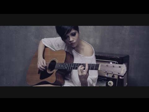Aydilge - Yalnızlıkla Yaptım (Official Video)