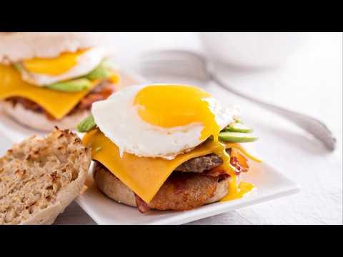recette-:-hamburger-maison-bacon-avocat-oeuf