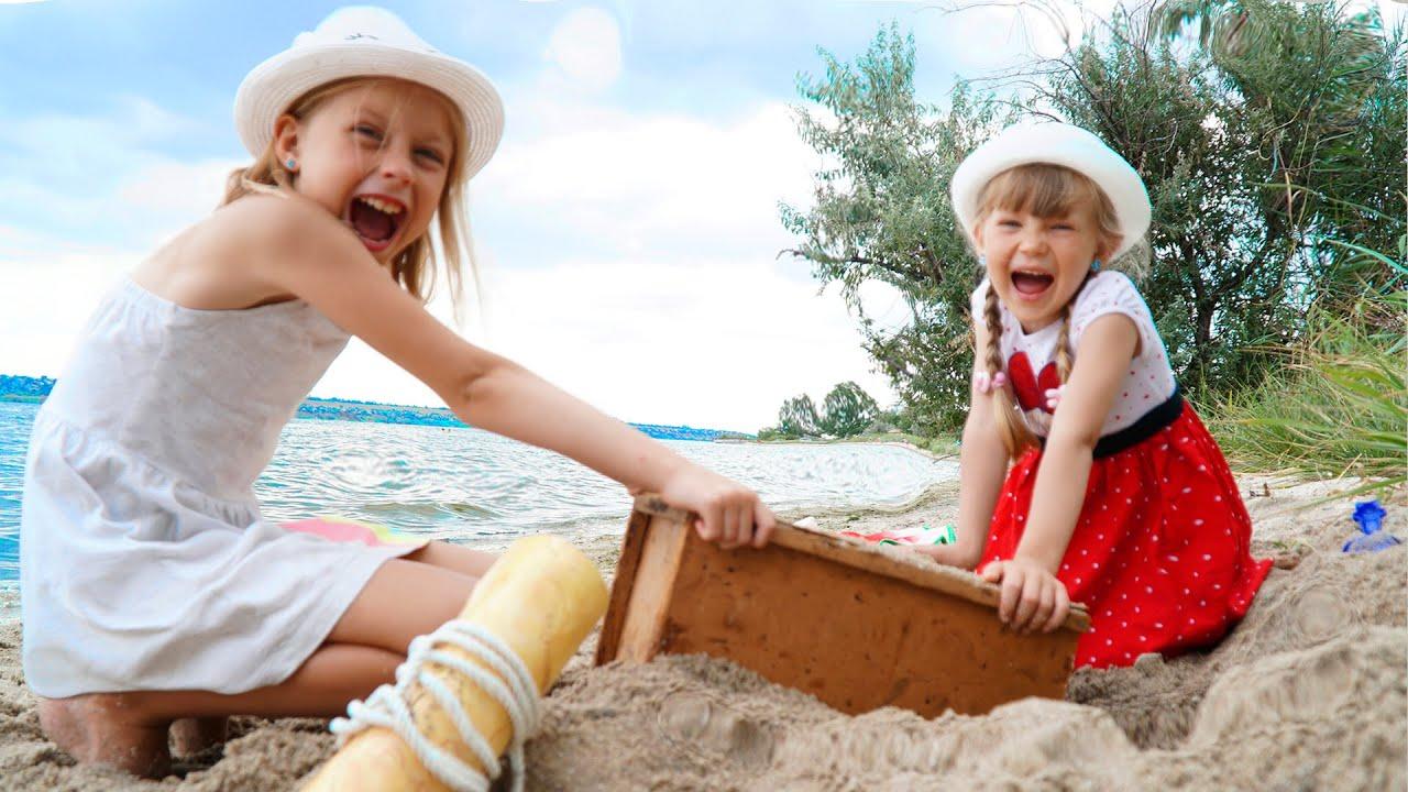 Настя малышка и папа – сборник веселых видео на пляже