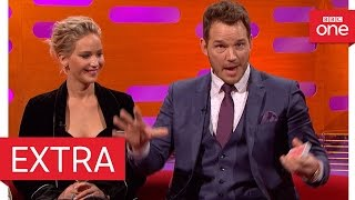 Video Chris Pratt's epic card trick fail - The Graham Norton Show 2016 | Extra - BBC One download MP3, 3GP, MP4, WEBM, AVI, FLV September 2018