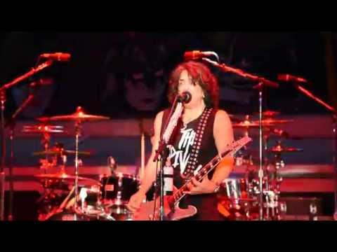 Kiss Kruise VI – Outdoor Show, part 1 of 11:  I Stole Your Love