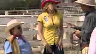 Chelsea Lately-Chelsea & Chuy Horse Riding