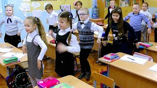 Школьный день за 5 минут. Скибиди танцы, большая перемена и многое другое. Новенькая в классе....