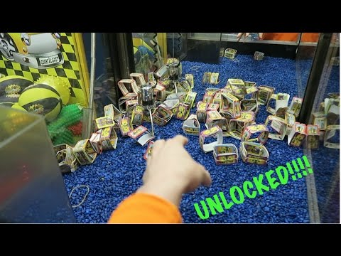 WE FOUND AND UNLOCKED CLAW MACHINE AT THE ARCADE!!