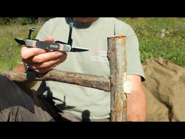 Old Timer Bushcraft Wooden Joint with Susanne Williams