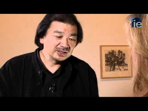 IE University Interviews Shigeru Ban at Hay Festival