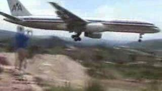 Skilled pilot does crazy landing!