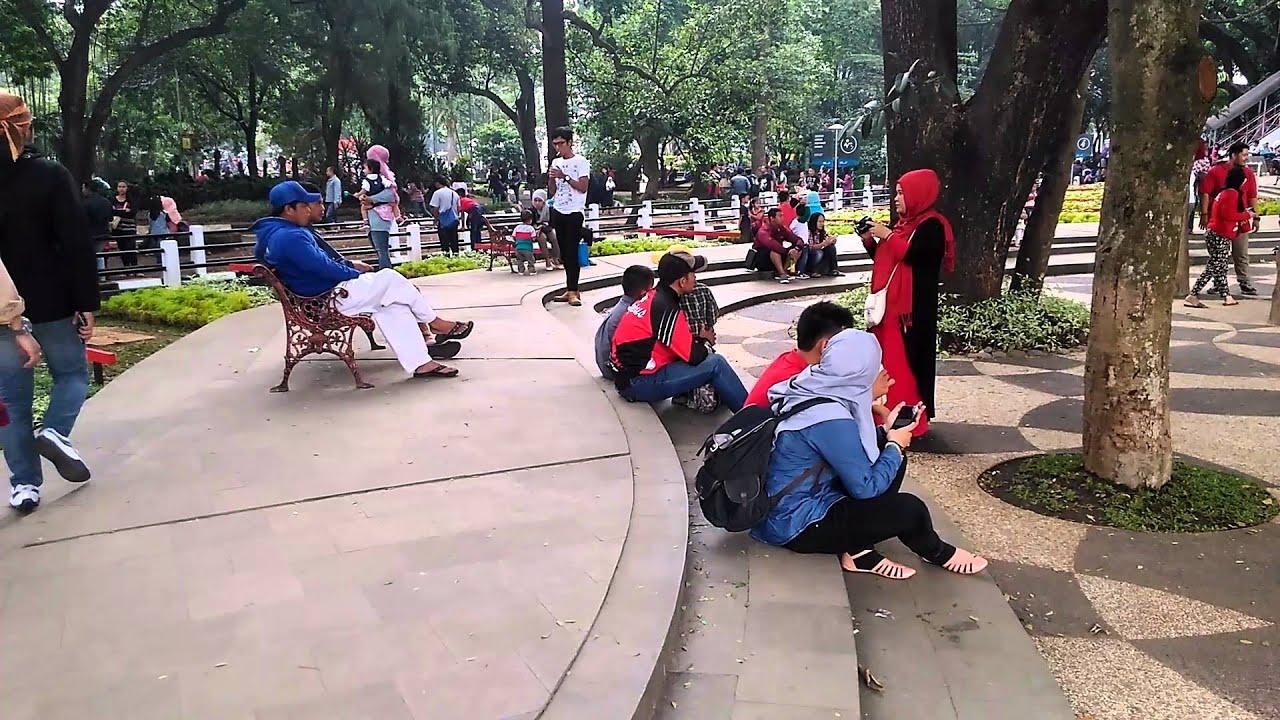 Mengintip Taman Balai Kota Bandung Youtube