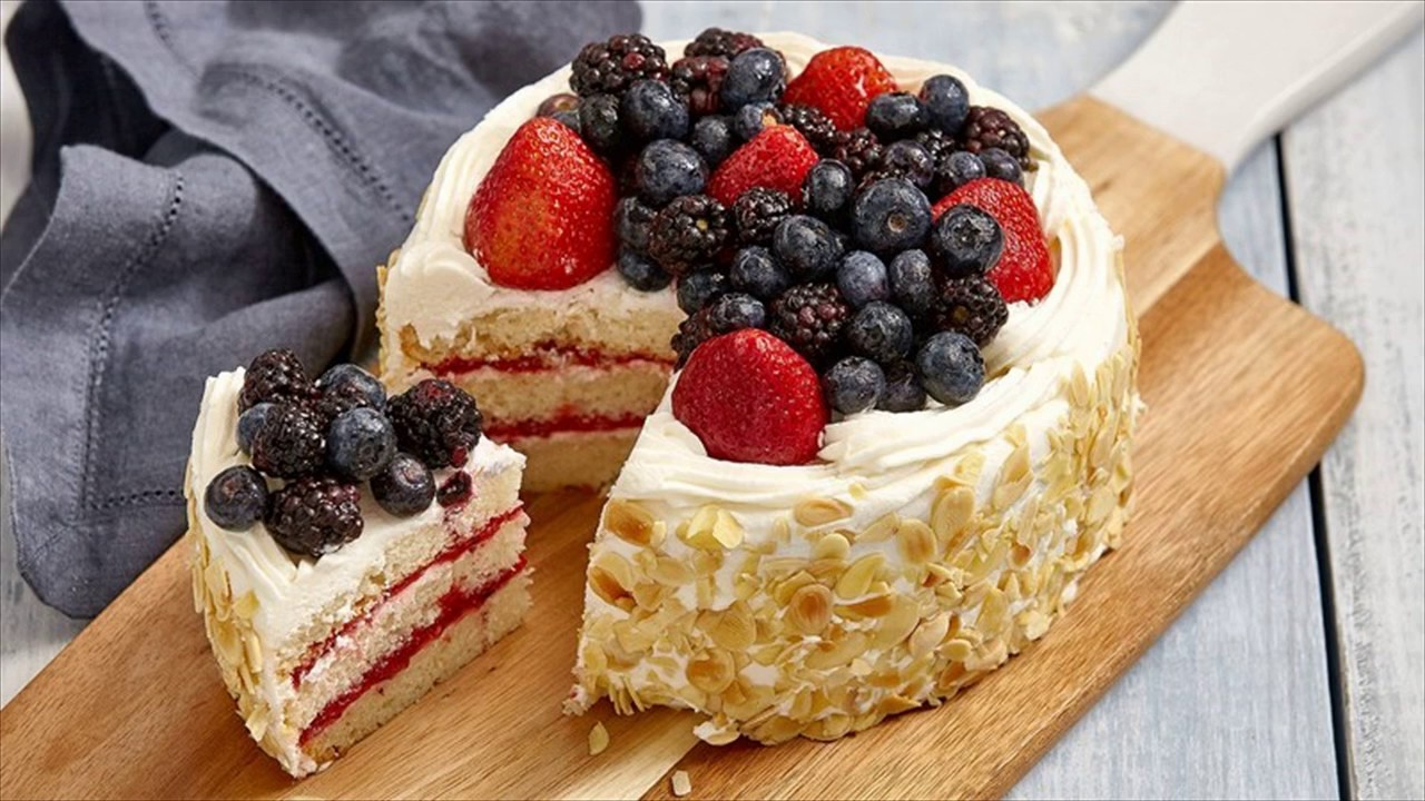 berry chantilly cake berry chantilly cake 1645