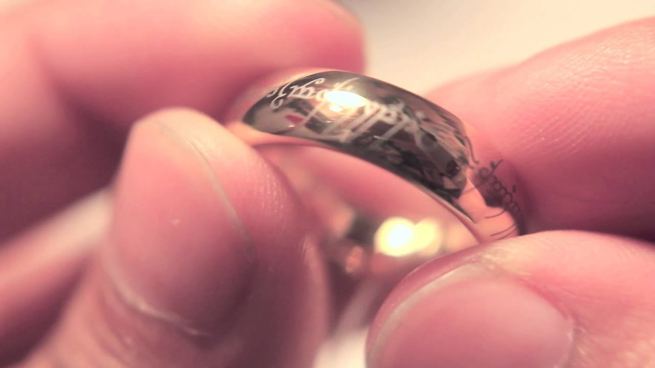 The One Ring and Chain Replicas - YouTube