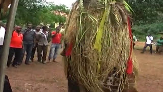 OLD IGBO UKWU MASQUERADE ENTERTAINS