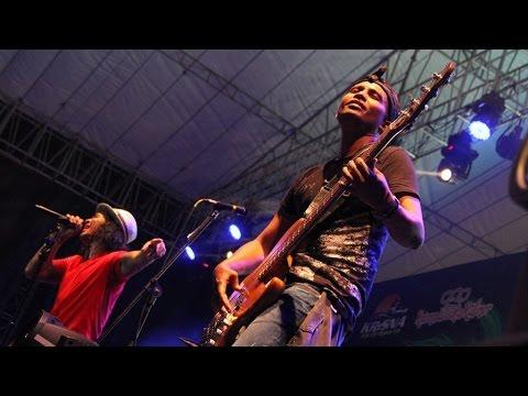 I Miss U But I Hate U (Live Performance)