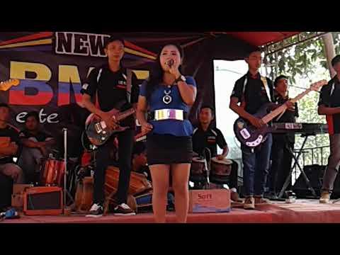 Ditelan alam- voc. Mia- BME music live