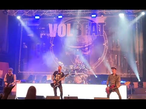 """VOLBEAT walk off stage + canceled set during first song in Belfast for """"technical"""" reasons"""