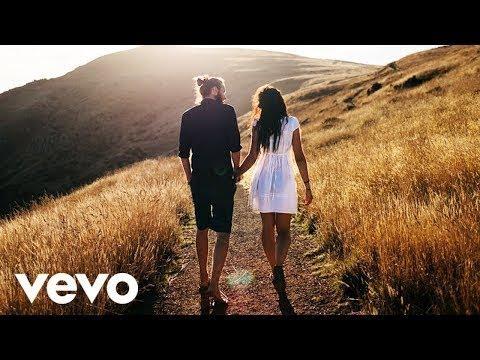 Ariana Grande ft  Alan Walker - Want You Back (Official Lyric Video)