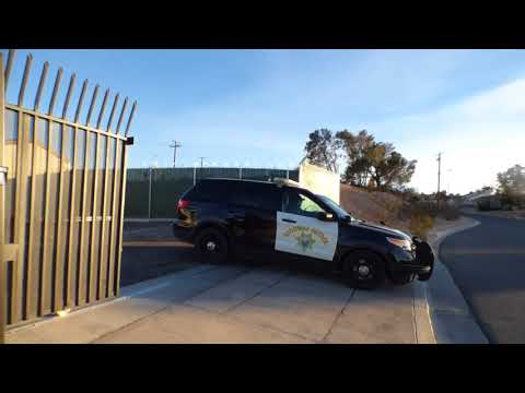 "Barstow Police & CHP  (officer= ""WHY ARE YOU RECORDING ME"") w/News Now Calif,  1st Amend Audit"