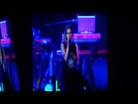 Avril Lavigne concert in Philippines 2012