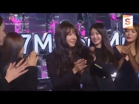 Suho x Eunji Melon Music Awards 2017 Moments