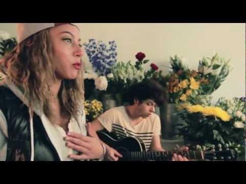 Mz Bratt f/ Khalaeliah - Falling Down (Acoustic Performance)   SoulCulture.co.uk