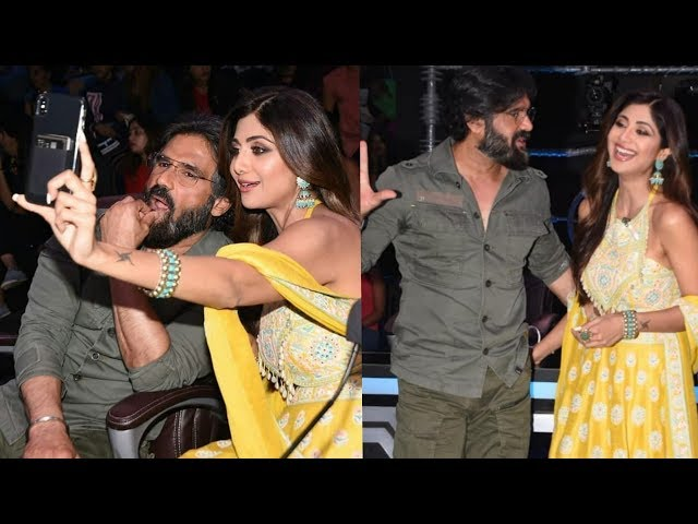 Shilpa Shetty bonding with Ex Sunil Shetty after 20 years at her dance Show |