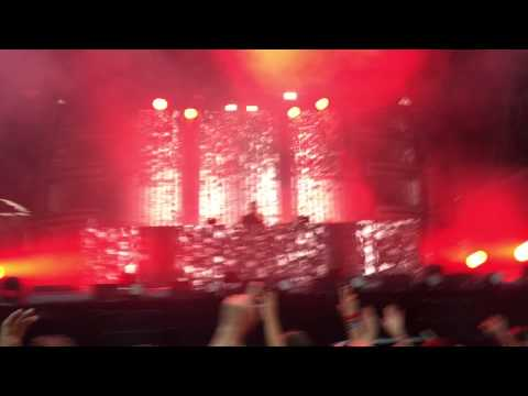Knife Party - Parliament Funk (Live @ Mysteryland 2015)