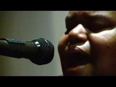 toshi reagon heartbreak hotel