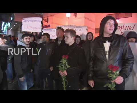 Russia: 'England is War' – Protesters picket the British Embassy