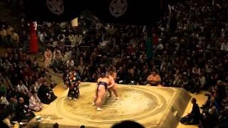 2015年初場所14日目 照ノ富士vs逸ノ城戦 久々の「水入り」の大一番.