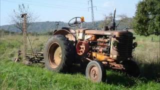 Tracteur renault R 7013 Perkins Diesel