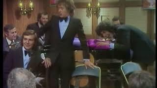 Les Charlots - Cache ton piano ( Si tu n'veux pas payer d'impôts )