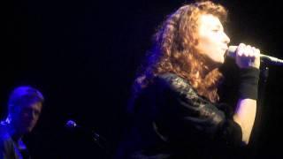 """Melissa Auf der Maur - """"Meet Me On the Darkside"""" live (HD)"""