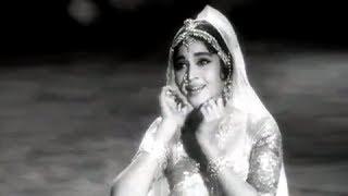 aa bhi ja rasiya classic romantic song phoolon ki sej vyjantimala manoj kumar mehmood