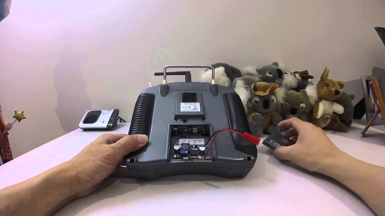Quadcopter - Spektrum DX6i transmitter Lipo Battery Mod