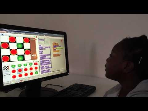 Une fille de 9 ans programme des jeux vidéos grâce à Learn2code