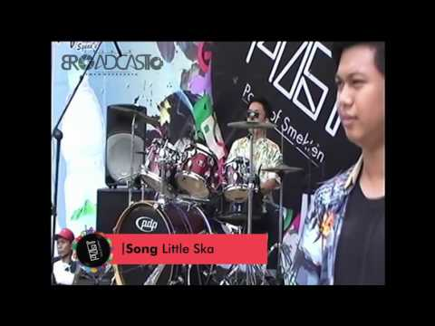 Song Little Ska in PENSI SMKN 10 Surabaya 2016 (POST) FULL Performance