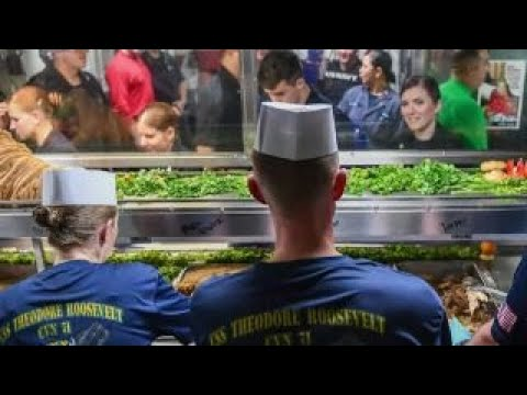US service members celebrate Thanksgiving overseas