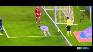 Download Video L'incredibile infortunio di Mauri - Lazio vs Napoli 09/02/2013 HD MP3 3GP MP4