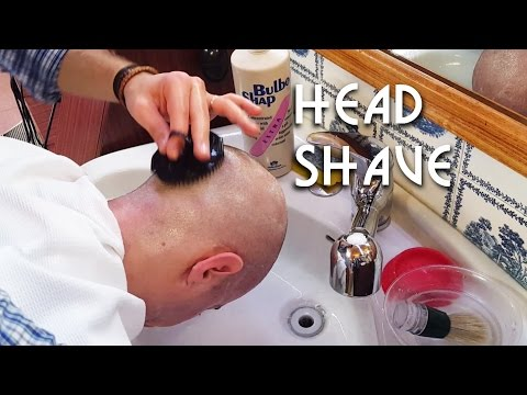 💈 Italian Barber - Head Shave and shampoo with a special spo