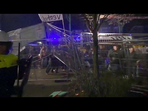 Violente manifestation contre un centre de réfugiés aux Pays-Bas