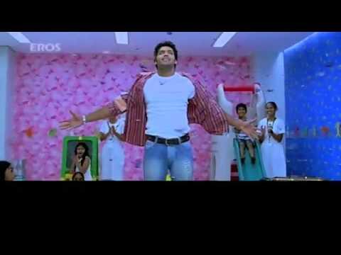 sarvam trisha &aarya love scene