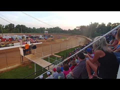 Lake Cumberland Speedway 5/26/2019 heat race Johnny Wheeler Memorial