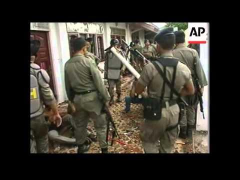 INDONESIA: LOMBOK: CHRISTIAN/MUSLIM VIOLENCE ERUPTS (3)