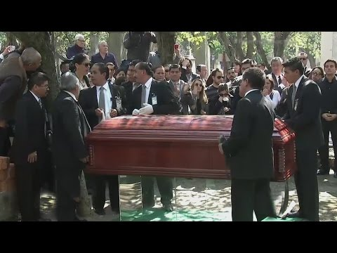 Descansa en paz, Chavo… Chespirito fue sepultado en el Panteón Francés en México