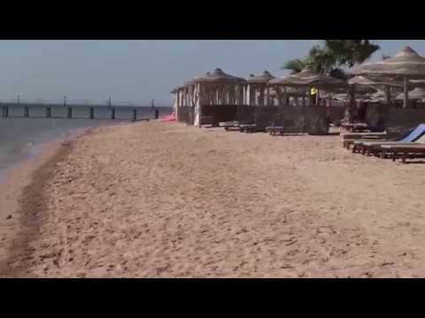 Amwaj Blue Beach Resort & Spa - July 2014 - Hotel's Beach & Seaside