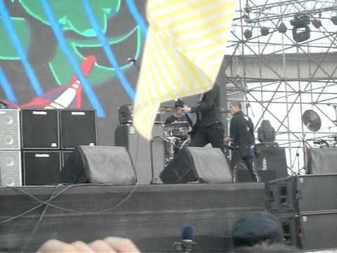 Brain Failure soundcheck - Beijing Midi Festival 2011