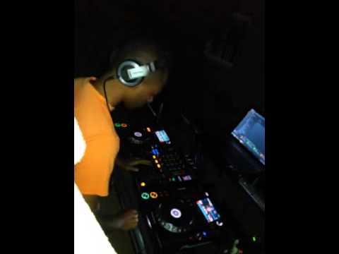 DJ V.M in a home training,  Luanda 2014.08.23