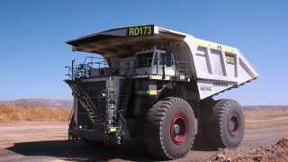 Компанія Liebherr - монтаж і закулісні Т 282 з вантажівок в Австралії