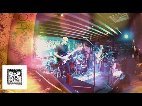 Kelly Olafson & The Bluesmachine.