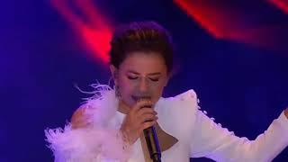 Merve ÖZBEY - Yan Benimle (Istanbul Yeditepe Konseri)